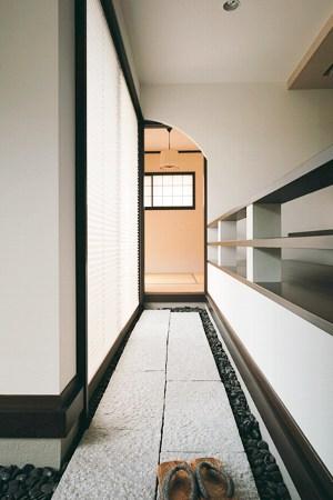 雰囲気を感じられる和室への通り床(住友林業)