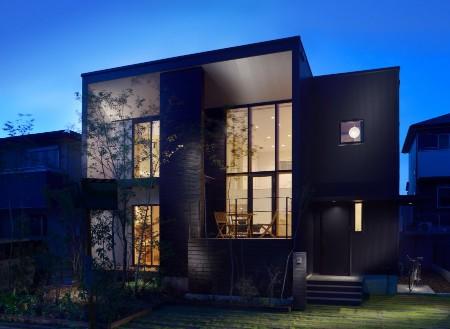 工藤工務店の施工例_工藤工務店が得意とするガルバリウム鋼板を使用したクールな住宅