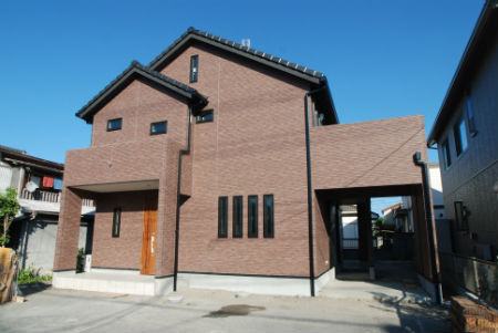 ワンズホームの施工例_和レトロで可愛い屋根の家