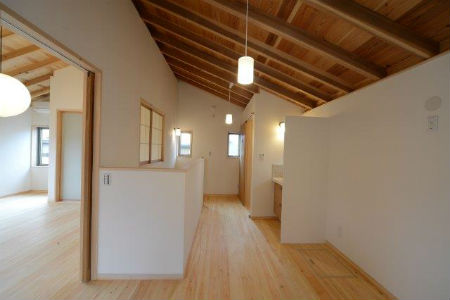 ディアホームの施工例4_こだわりが感じられる廊下