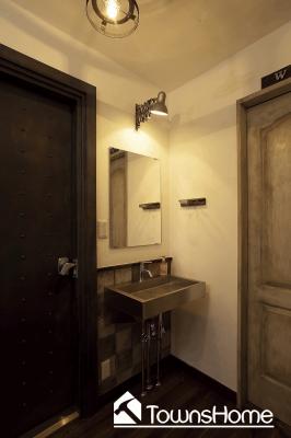 スペースを活かしたシンプルな洗面台(タウンズホーム)