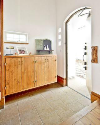 シノスタイルの開放感のある玄関