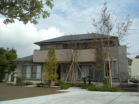 髙石工務店の施工例1_フォルムとデザインにこだわったシックな住宅